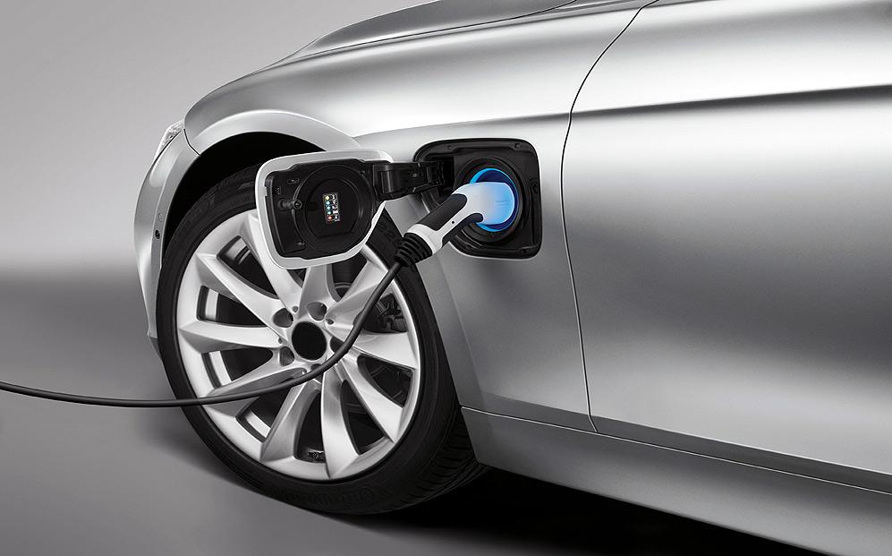 Los vehículos híbridos y eléctricos rozan las 30.000 matriculaciones entre enero y junio